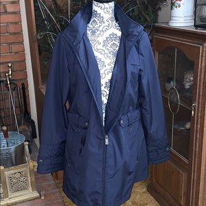 NWOT Liz Claiborne hooded raincoat